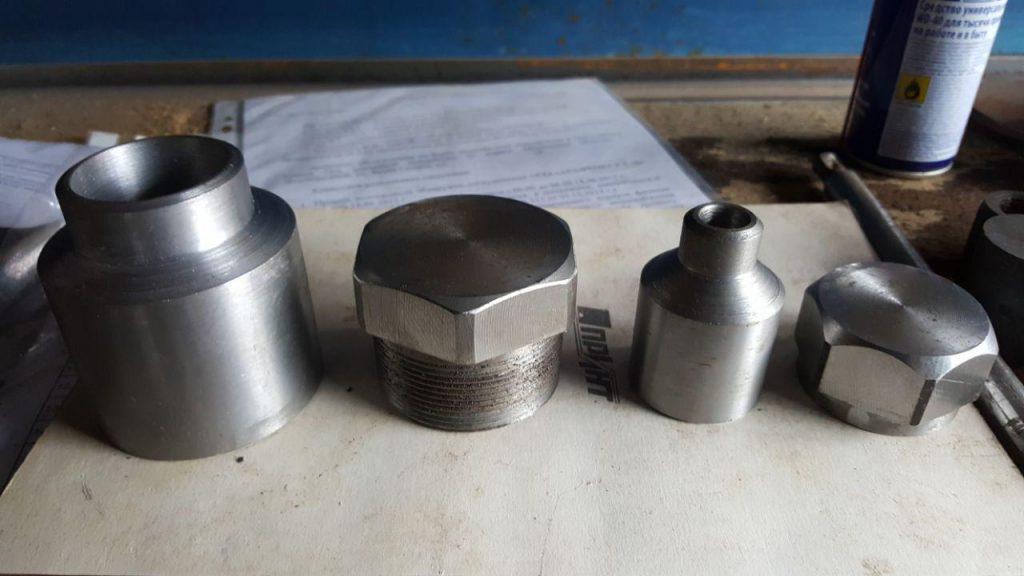 бобышки, стальные заглушки, штуцера, бобышки ту, изготовление бобышек